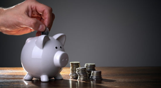 In der aktuellen Krise Geld sparen